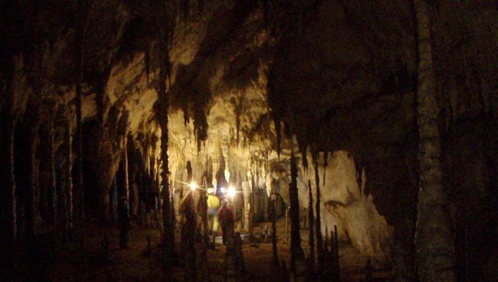 Imagen del interior de la cueva de Coventosa