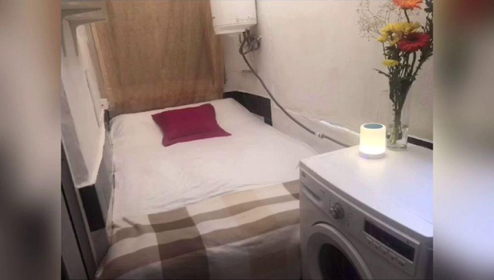 Dormitorio acondiconado en cuarto de lavabo, así es la última oferta de vivienda en Ibiza