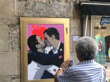 El beso entre Pedro Sánchez y Pablo Iglesias
