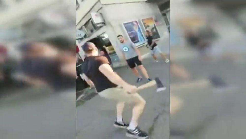 Pone los pelos de punta: brutal pelea a hachazos entre ultras del Dinamo de Zagreb