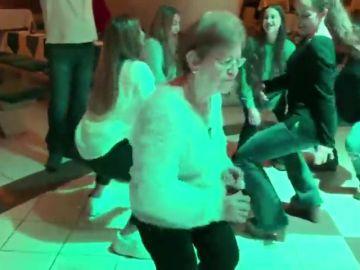 Paquita y Antonio 'rompen' la pista de baile en Turquía