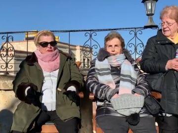 Las chicas explican cómo han pasado la noche en Turquía