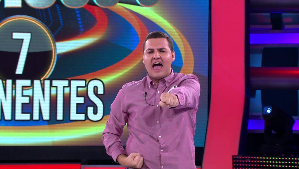 Martín demuestra su cinturón negro de karate en medio del plató de '¡Ahora caigo!'