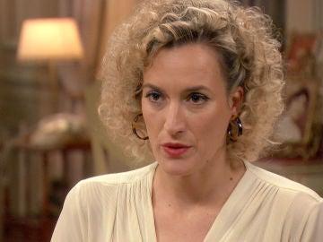 Silvia trata de convencer a Carlos para que frene las intenciones de Ana
