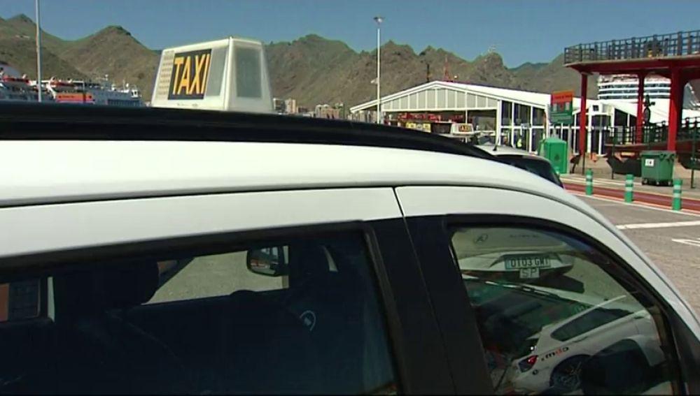 Detenido un taxista de Tenerife por violar a una clienta que llevaba en su coche