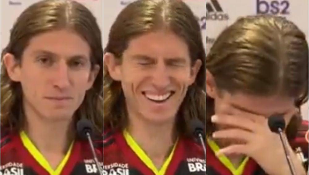 Filipe Luis, durante la rueda de prensa con el Flamengo