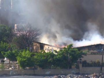 Desalojan el parque acuático de Maspalomas a causa de un incendio