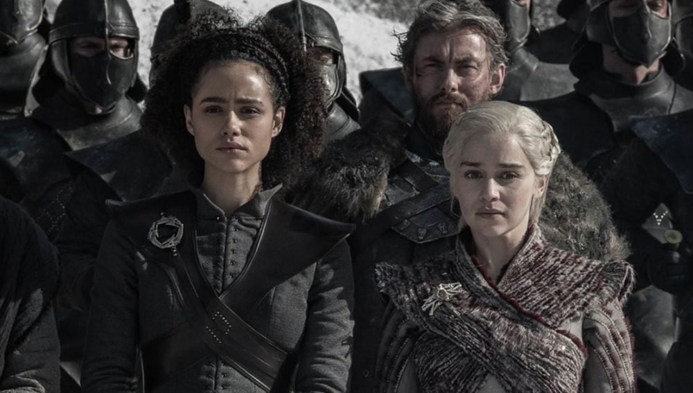 Missandei y Daenerys en 'Juego de Tronos'
