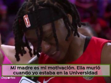 """El emocionante discurso de la MVP del All Star de la WNBA: """"Perdí a mi madre por un cáncer, sabía que ella me miraba"""""""