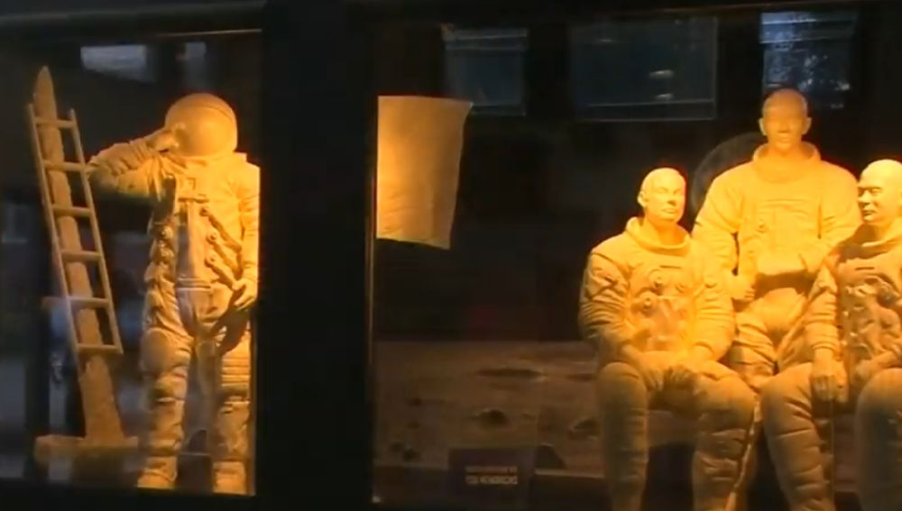 Esculturas de astronautas hechas con mantequilla
