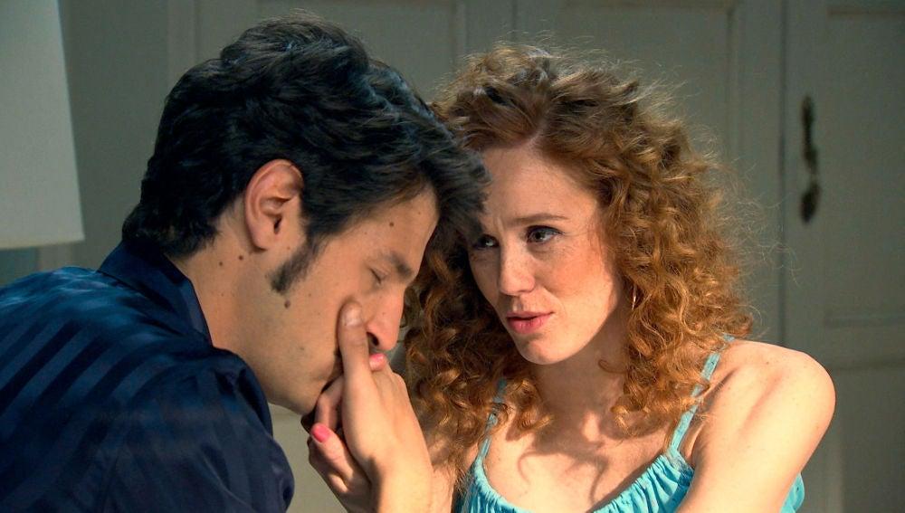 Tras una noche de pasión, el pasado y la realidad vuelve a separar a Ana y Carlos