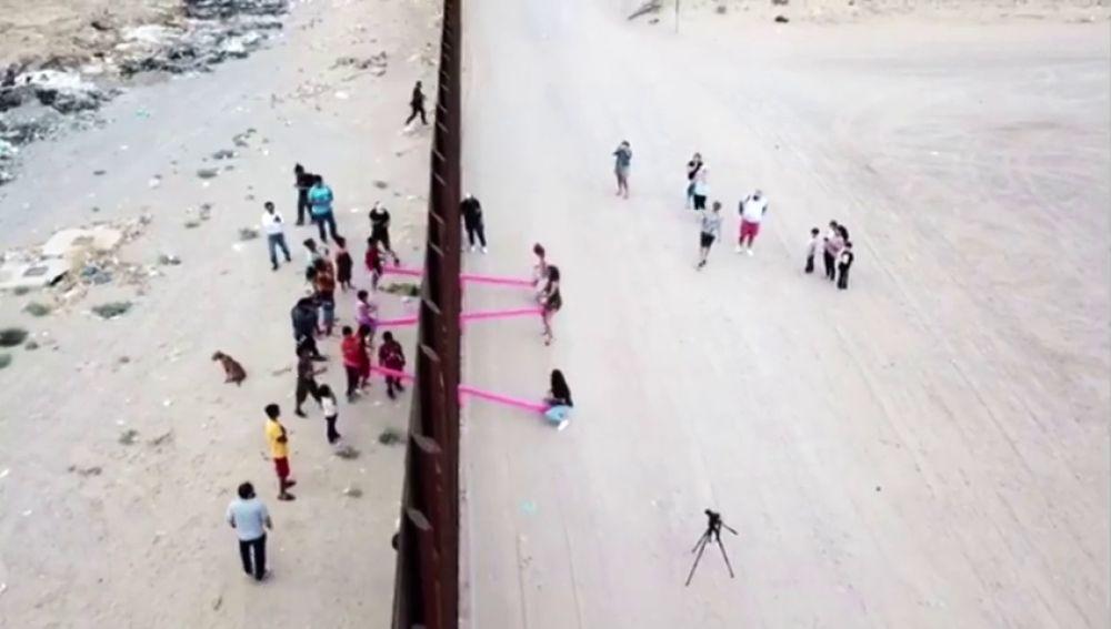 Resultado de imagen para columpio en la frontera