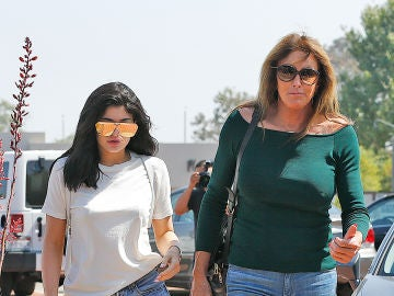 Caitlyn Jenner junto a su hija Kylie Jenner