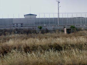 Se fuga un preso cuando era trasladado para deportación