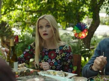 Madeline se entera de que Abigail está vendiendo su virginidad en internet