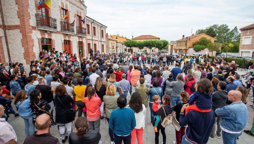 Concentración contra le crimen de Villagonzalo