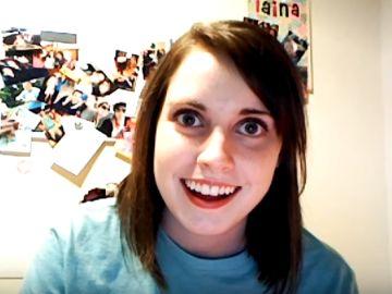 La protagonista del meme de la 'novia psicópata', Laina Morris, deja Youtube