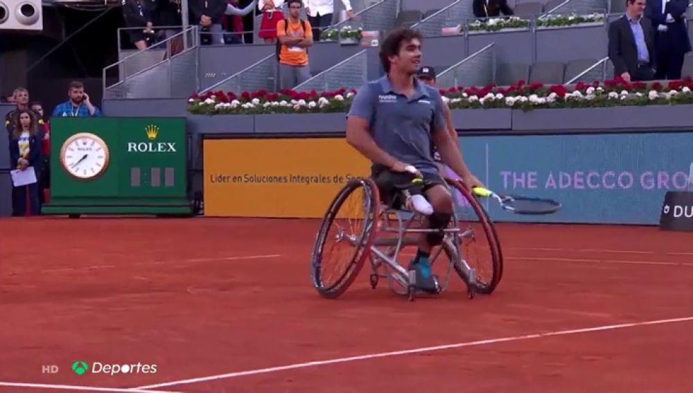 'Vale la pierna': Con este lema, Daniel Caverzaschi ha llegado a ser el Nadal del tenis en silla de ruedas
