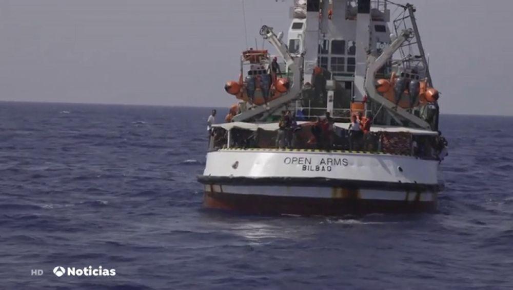 El Open Arms pide asilo a España para 31 menores que van a bordo del buque