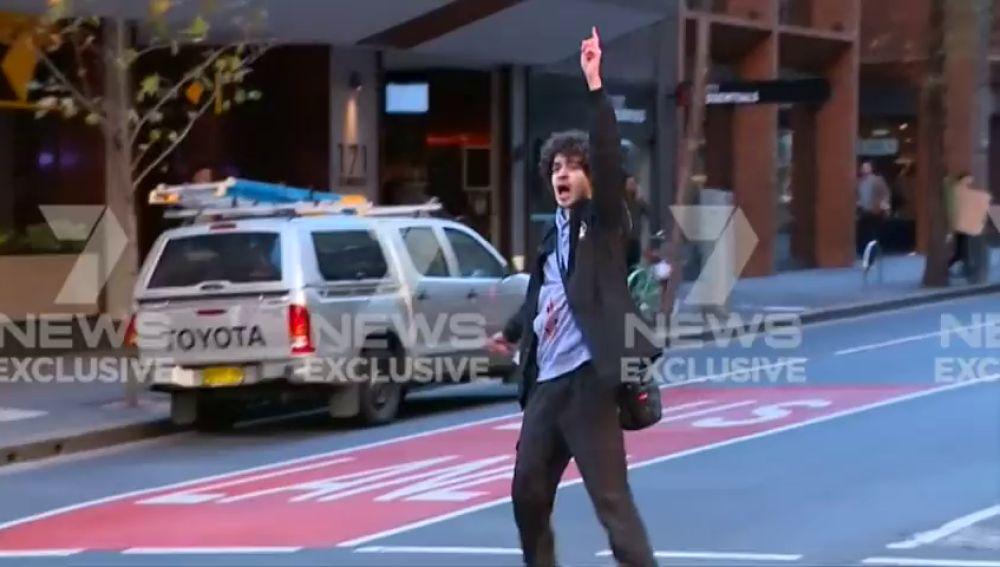 Este es el momento en el detienen al sospecho del ataque con cuchillo en Sídney