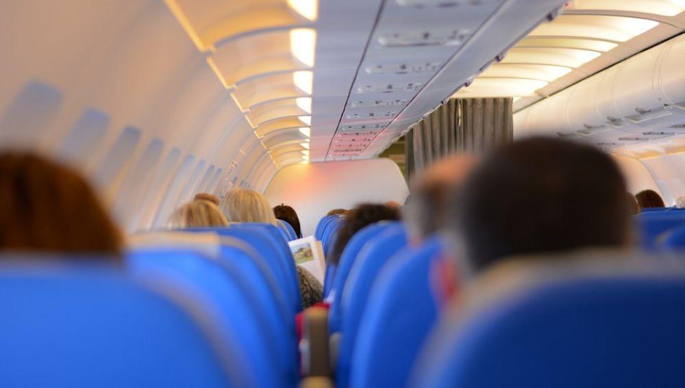 Interior cabina de un avión