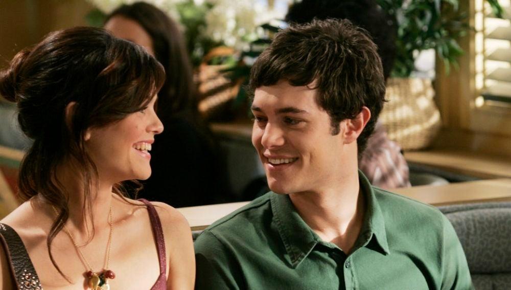 Seth y Summer (Adam Brody y Rachel Bilson) en 'The O.C.'