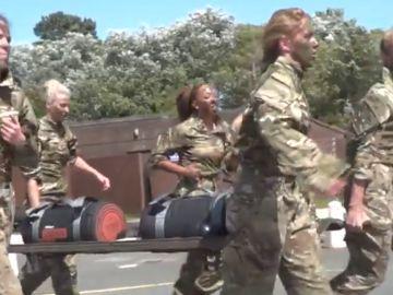 Entrenamiento militar del Liverpool femenino