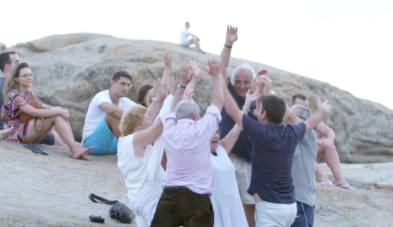 """La reflexión de Arturo Valls tras la experiencia de 'Por el mundo a los 80': """"Ojalá llegue a los 80 von vuestra vitalidad, energía y ganas de vivir"""""""