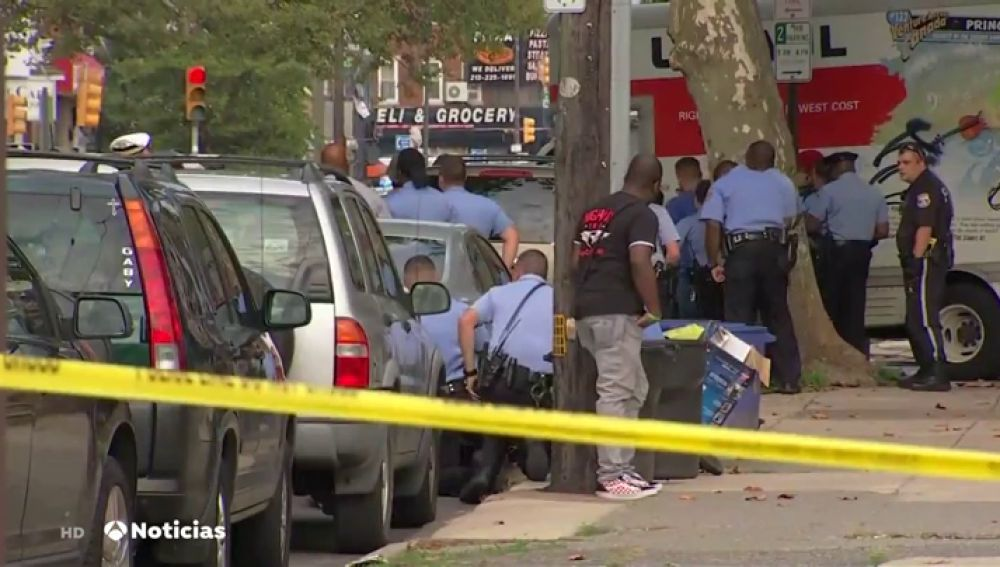Se entrega el responsable de herir a seis policías en un tiroteo en Filadelfia