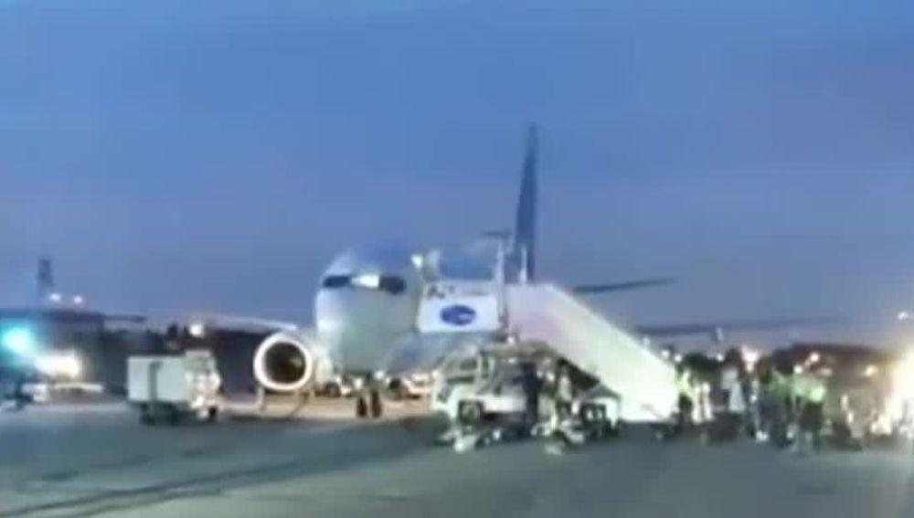 Avión desalojado