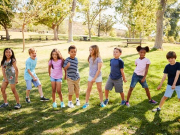 Grupo de niños y niñas