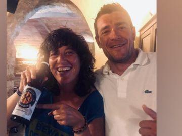 La polémica publicación de Teresa Jordá en la que aparece con la cerveza 'Fuck Spain'