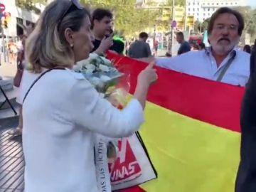 Polémica por la presencia de una bandera española en el homenaje a las víctimas del 17A
