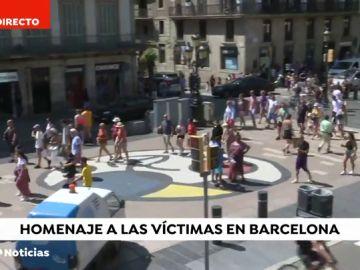 Pablo Casado, Albert Rivera, Pablo Iglesias y Santiago Abascal se acuerdan a través de Twitter de las víctimas de los atentados de Barcelona