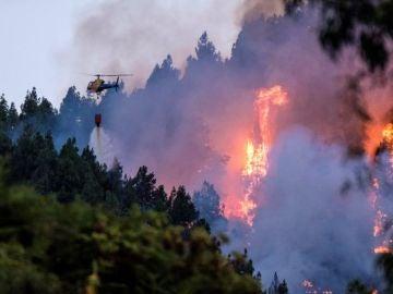 Antena 3 Noticias Fin de Semana (18-08-19) Continúan las evacuaciones por el incendio forestal de Gran Canaria que ya afecta a más de 1.500 hectáreas