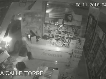 Una cadena de perfumerías sufre ocho robos en poco más de mes y medio