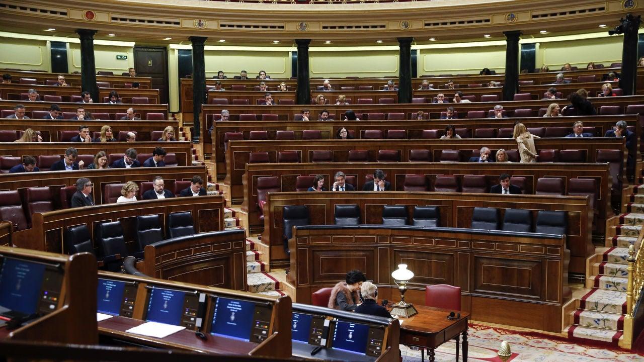 Los diputados se despiden: 146 días de trabajo, un iphone y una indemnización