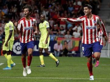 Morata y Joao Félix celebran el gol ante el Getafe
