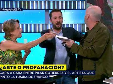 Cara a cara entre la mujer más franquista de España y el artista que pintó la tumba de Franco
