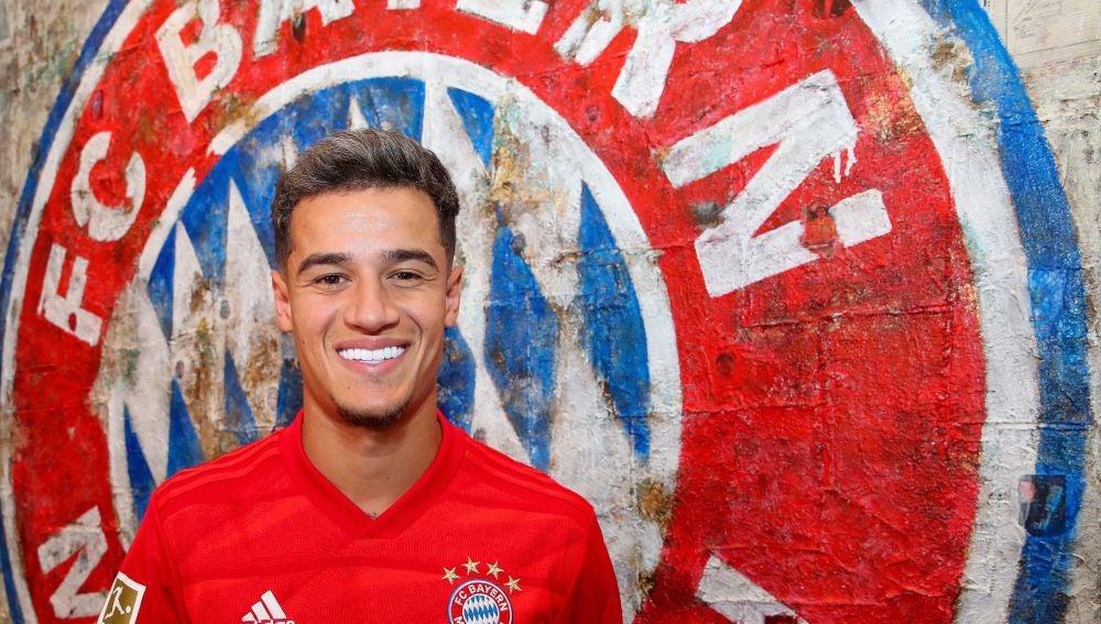 Coutinho posa con la camiseta del Bayern