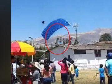 Brutal accidente de paracaidas