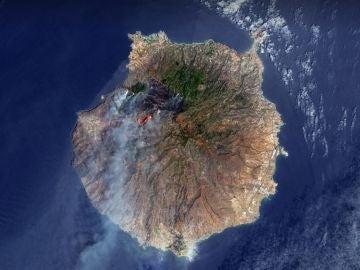 El antes y después del incendio que arrasa Gran Canaria