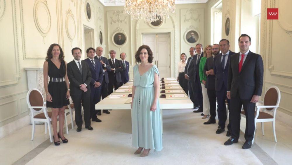 El comentado posado de Isabel Díaz Ayuso en su primer Consejo de Gobierno