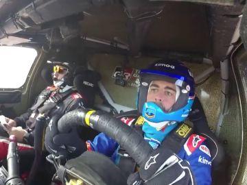 VÍDEO: Primera imágenes de Fernando Alonso en Namibia pilotando el Toyota del Dakar
