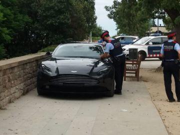 Un mosso fuera de servicio detiene a un hombre que habría robado un coche valorado en 239.000 euros