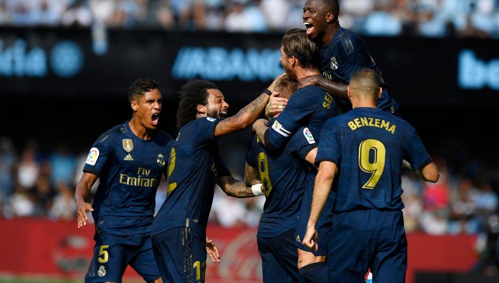 El Real Madrid celebra un gol frente al Celta