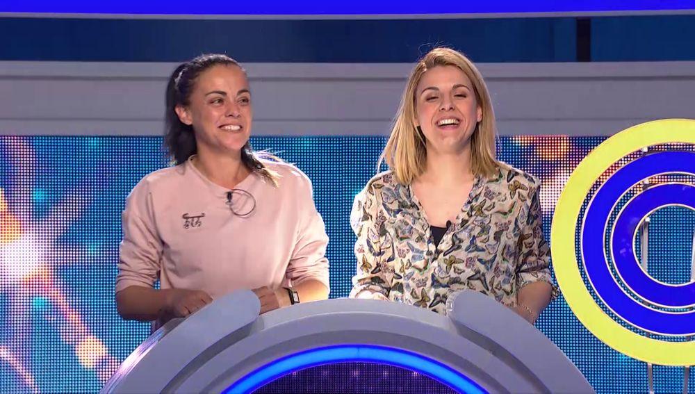 Dos concursantes de 'El juego de los anillos' se la juegan en la ronda del personaje oculto