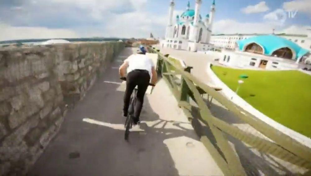 Sin palabras: las espectaculares piruetas del 'rider' Irek Rizaev sobre una bicicleta
