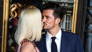 El beso de Katy Perry y Orlando Bloom