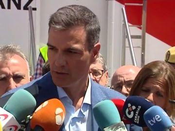 Sánchez evita hablar de la propuesta de Podemos en su visita a Canarias por los incendios